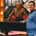 Tim Bradley with Armin Shimerman as Quark in Quark's bar at 'Destination Star Trek Birmingham', NEC Birmingham, October 2018